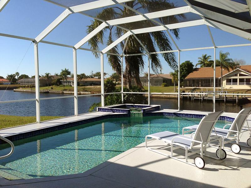 Alquiler de 45 casas de vacaciones en florida for Casas con piscina barcelona alquiler
