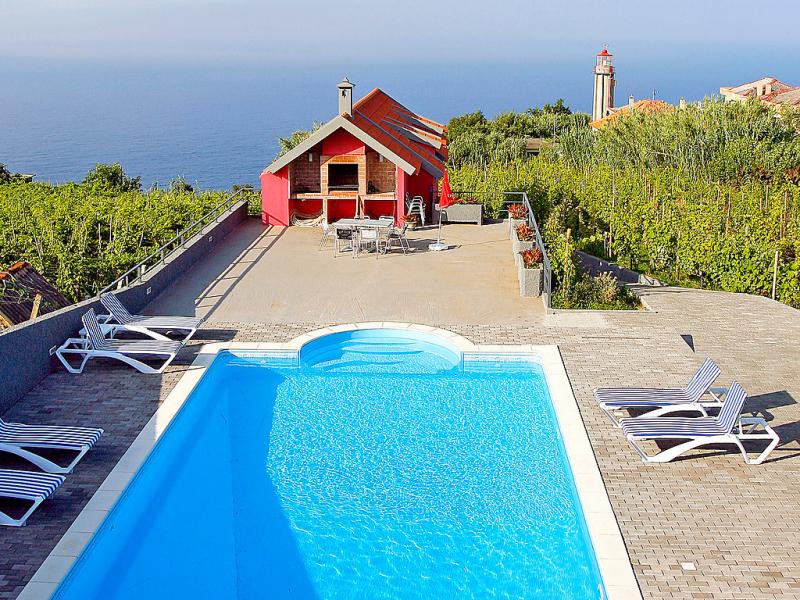 Alquiler de 15 casas de vacaciones en madeira for Alquiler casa con piscina granada