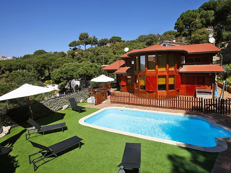 Alquiler de 8 casas de vacaciones en costa del maresme - Fotos de casas con piscina ...