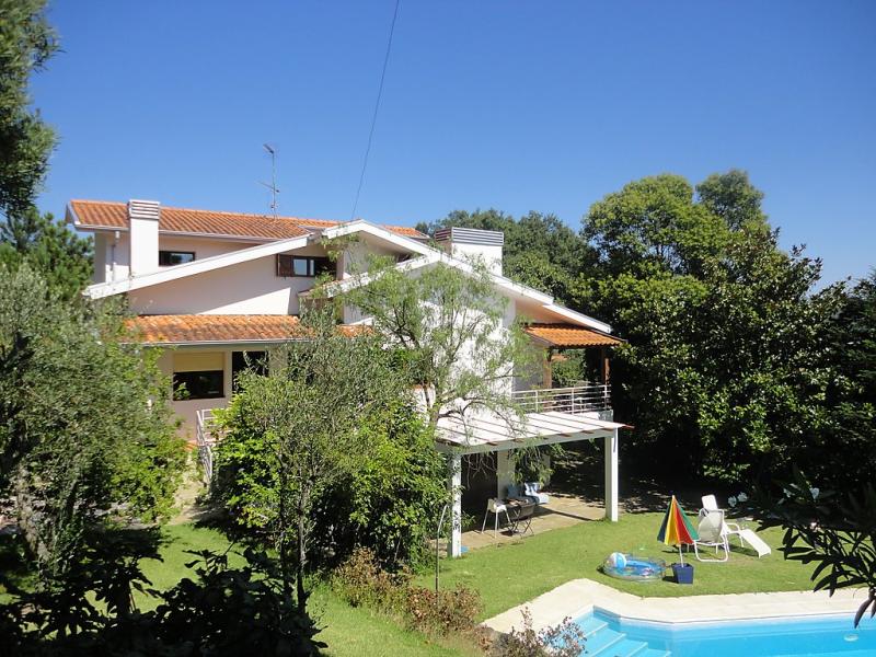 Alquiler de 2 casas de vacaciones en norte for Casa rural para 15 personas con piscina